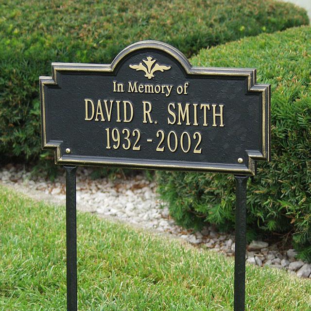 Memorial Plaque Arlington In Memory Of Lawn