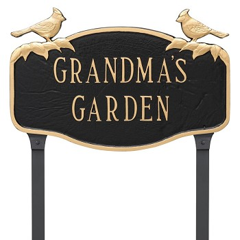 Cardinal Decorative Plaque Lawn